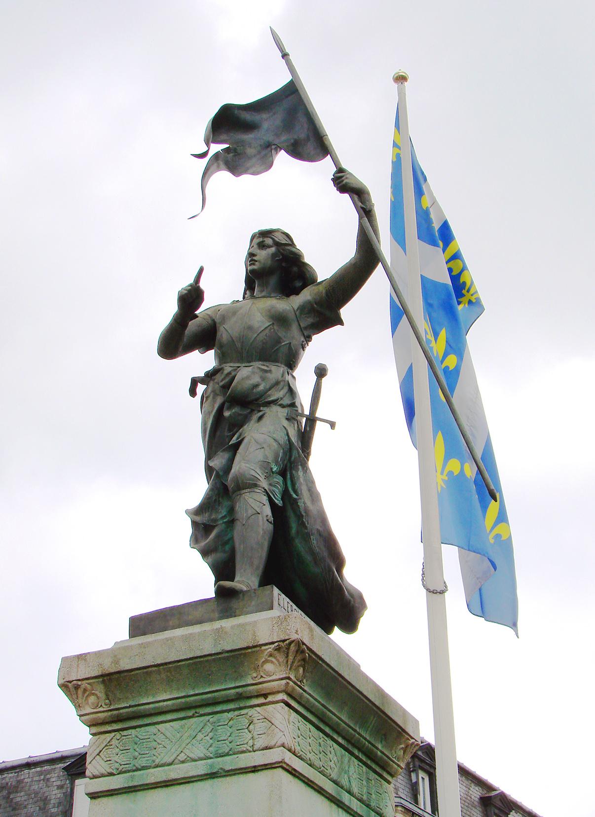 7. Juana de Arco, estatua Compiegne