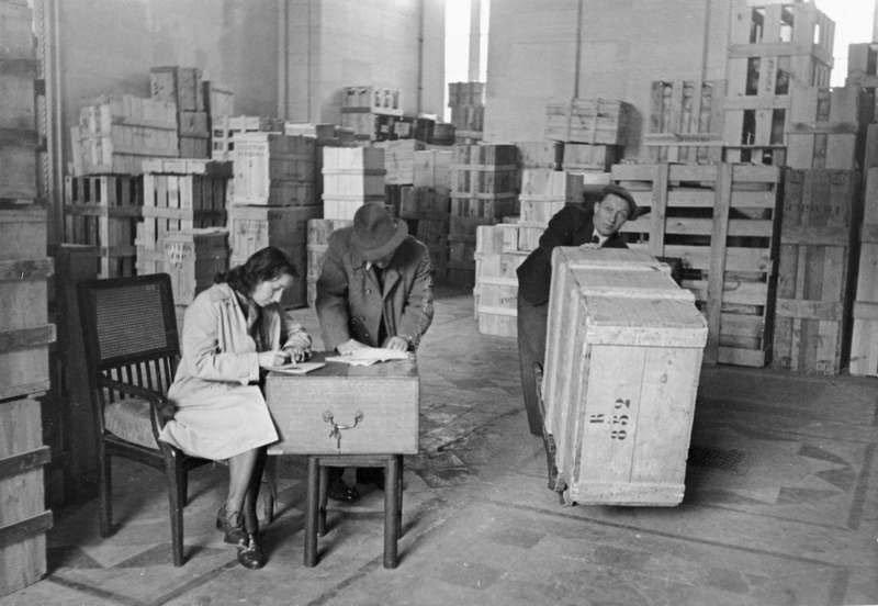 10. Catalogación de las obras robadas durante el secuestro del Louvre