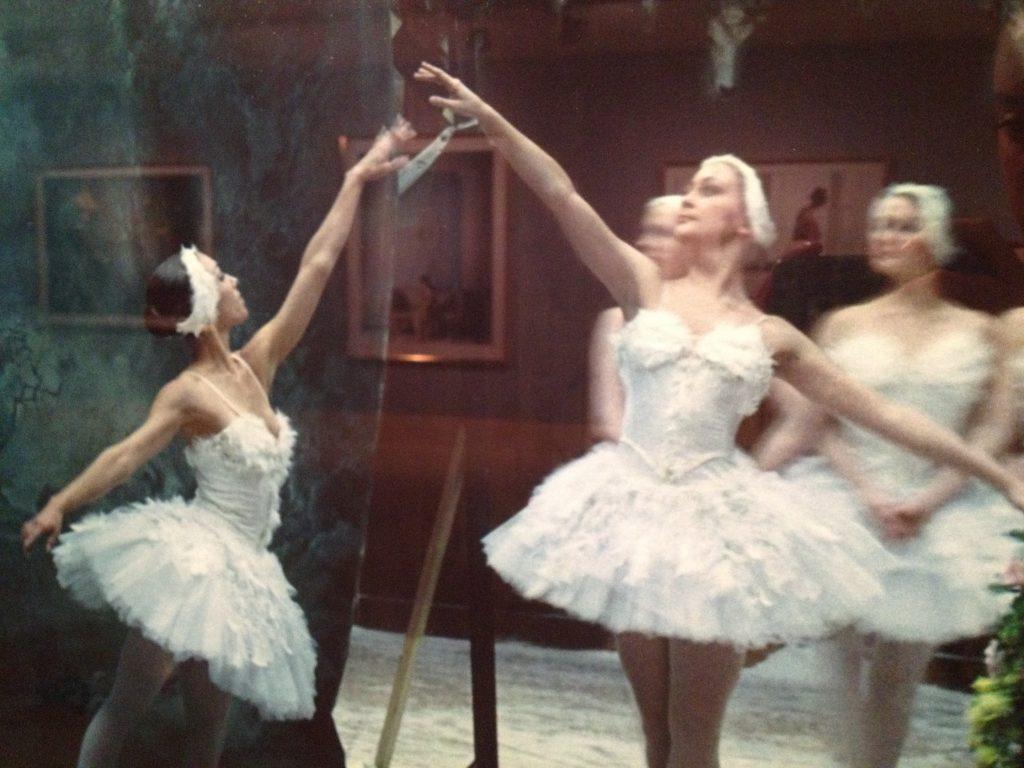 10. Patrick Wolf y los cisnes, Ballet West, en el Stag Ballroom del Mar Lodge Estate, Braemar, 2007 (1)