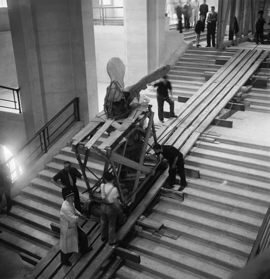 11. Retorno de la Victoria de Samotracia al Museo del Louvre