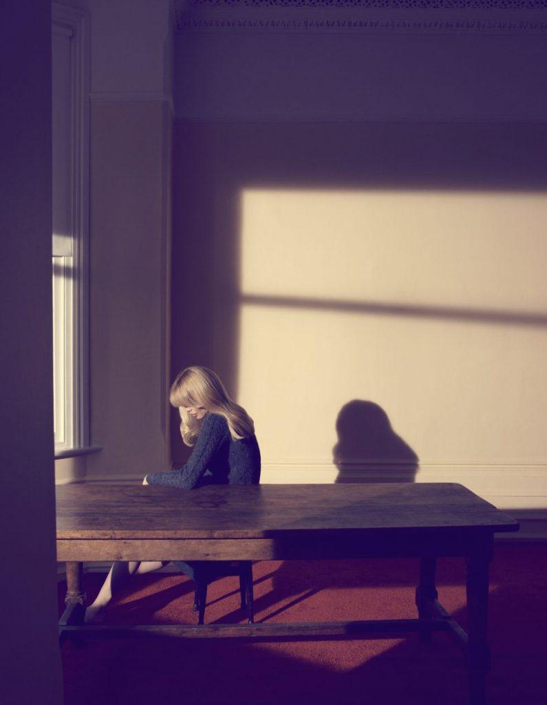 23. Camilla Akrans, Mujer sola, 2010 (1)