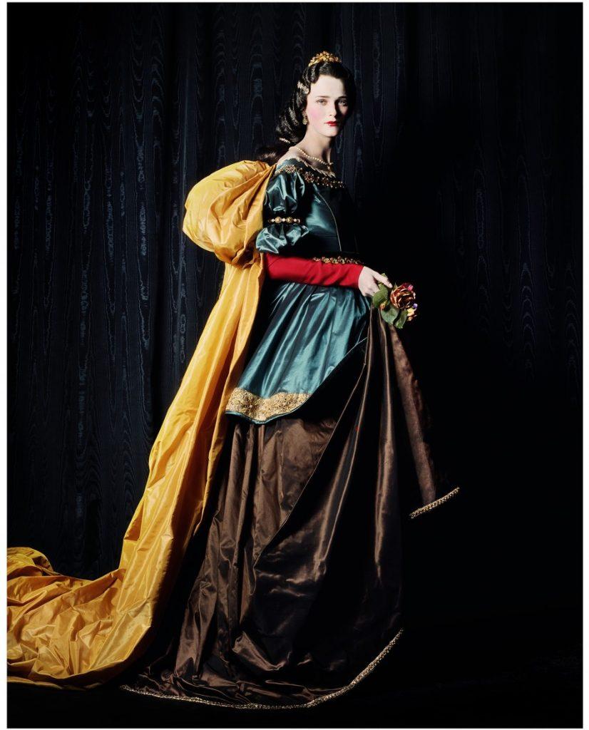 3. Michael Thompson, Carmen como La Santa Isabel de Zurbarán, 2000 BUENA