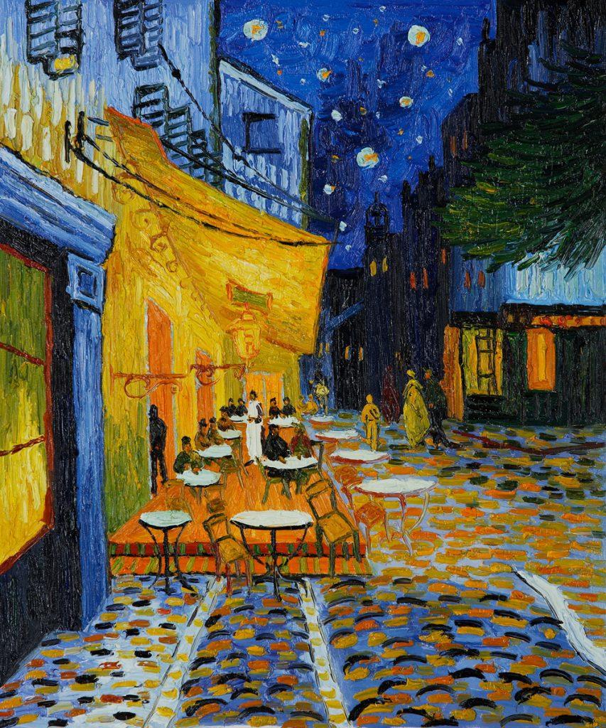 6. Terraza de cafe por la noche