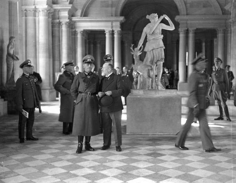9. Reapertura del Louvre