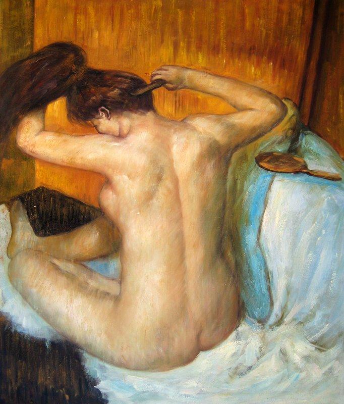 11. Mujer peinándose