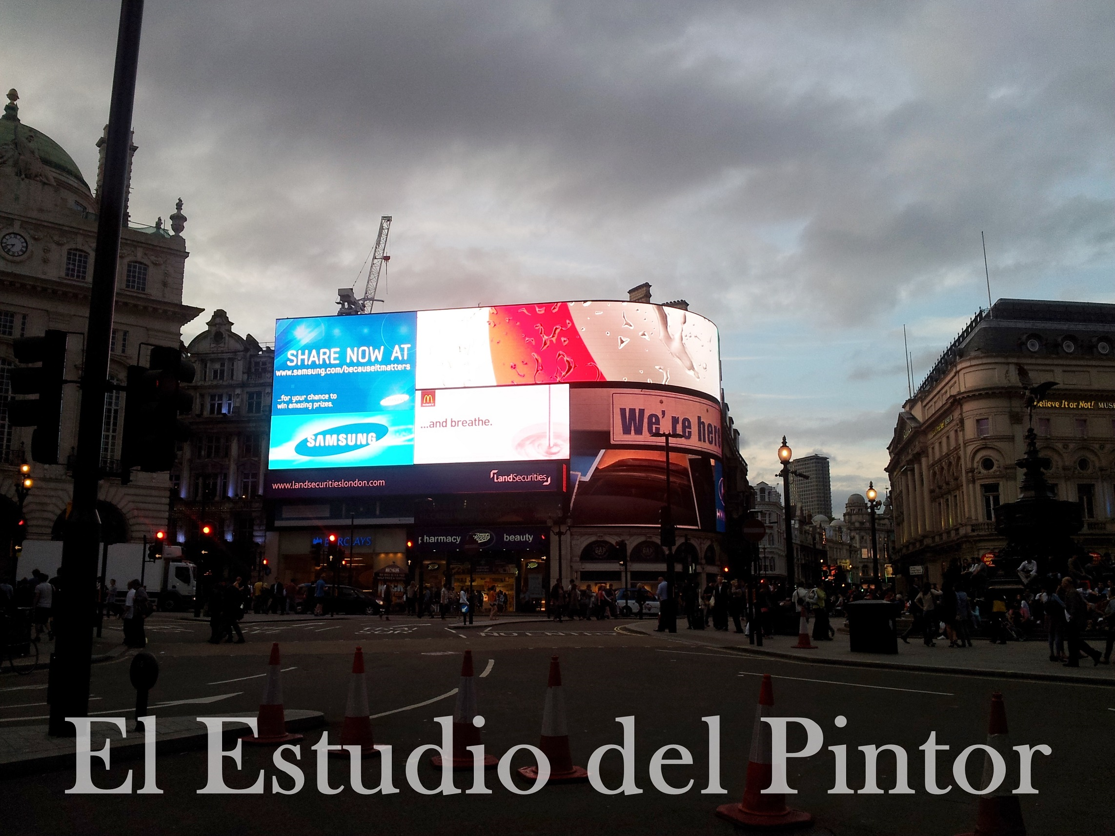 13 Piccadilly Circus