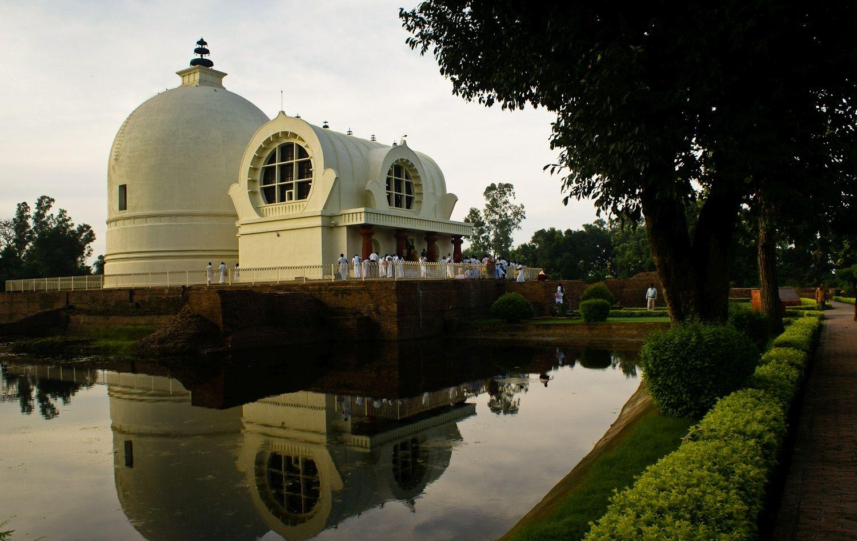 4. Stupa Mahaparinirvana